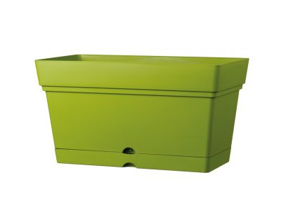plastic garden pots (3)